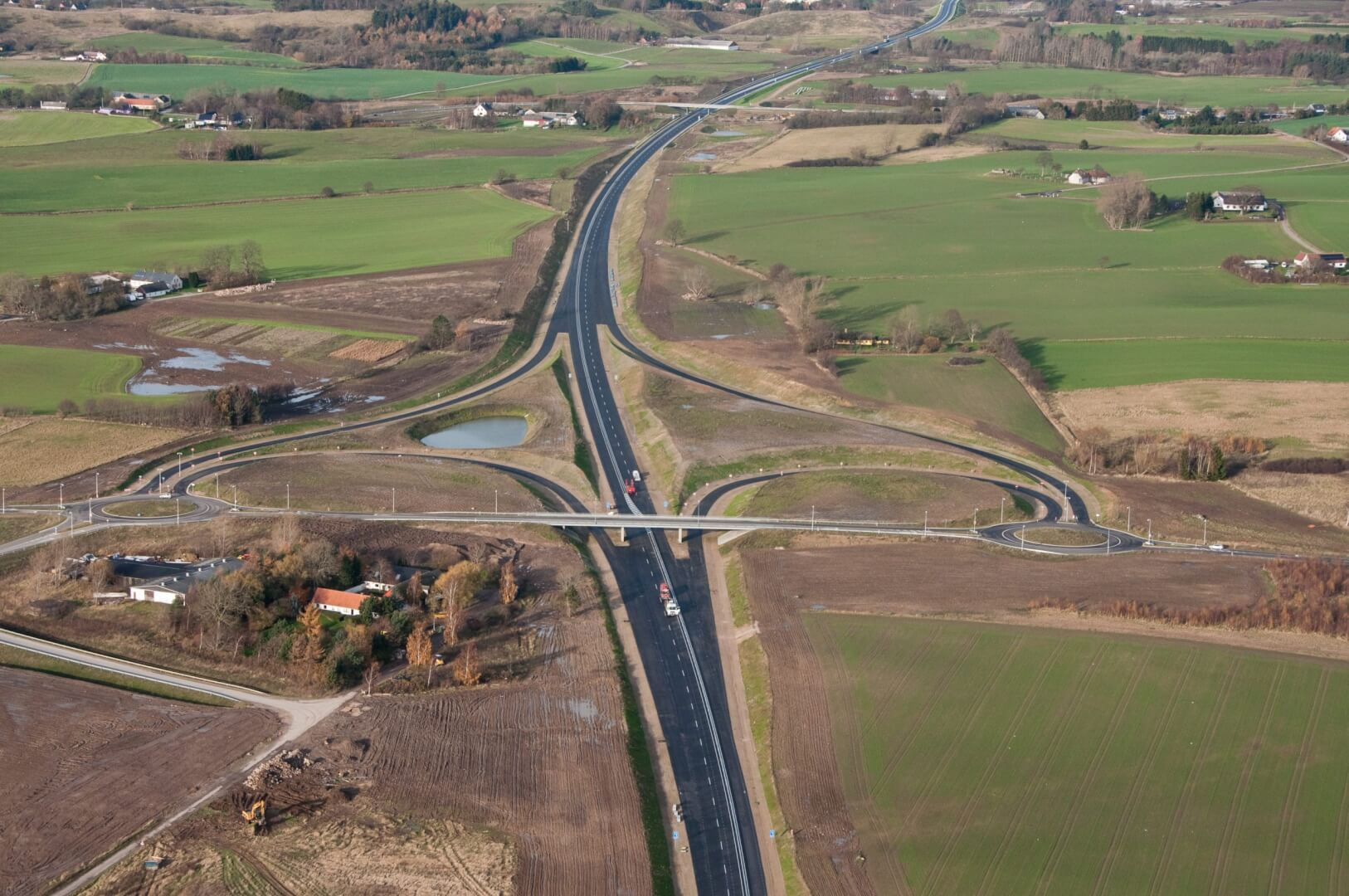 Broer, Motortrafikvejen Holbæk-Vig