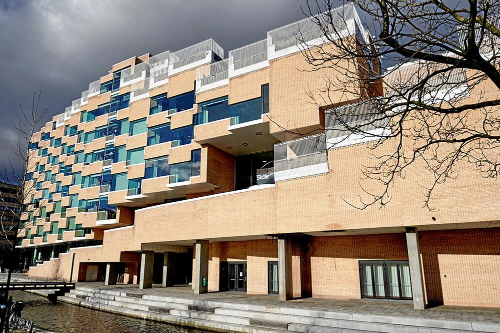 Ørestad Skole / Ørestad Bibliotek - Arne Jacobsens Allé 19